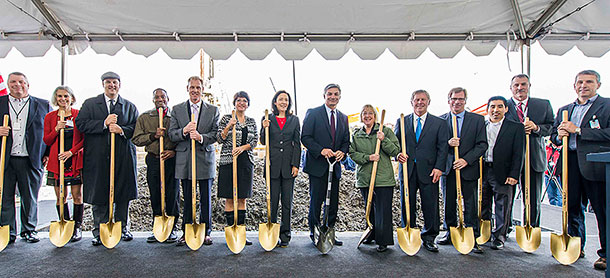 Breaking Ground, New 777X Composite Wing Center (Video)