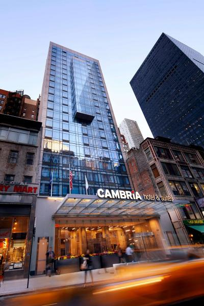 Cambria Hotel & Suites New York – Times Square Exterior