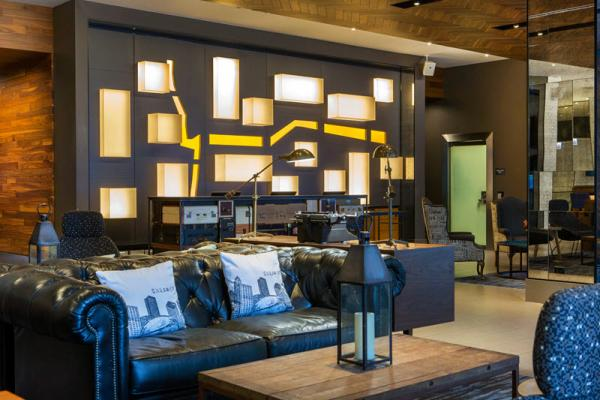 Cambria Hotel & Suites Chicago Magnificent Mile Lobby