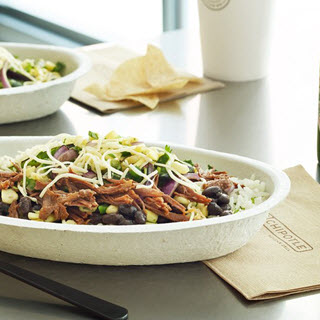 If You're at Chipotle, These Are the Leanest, Lightest Orders