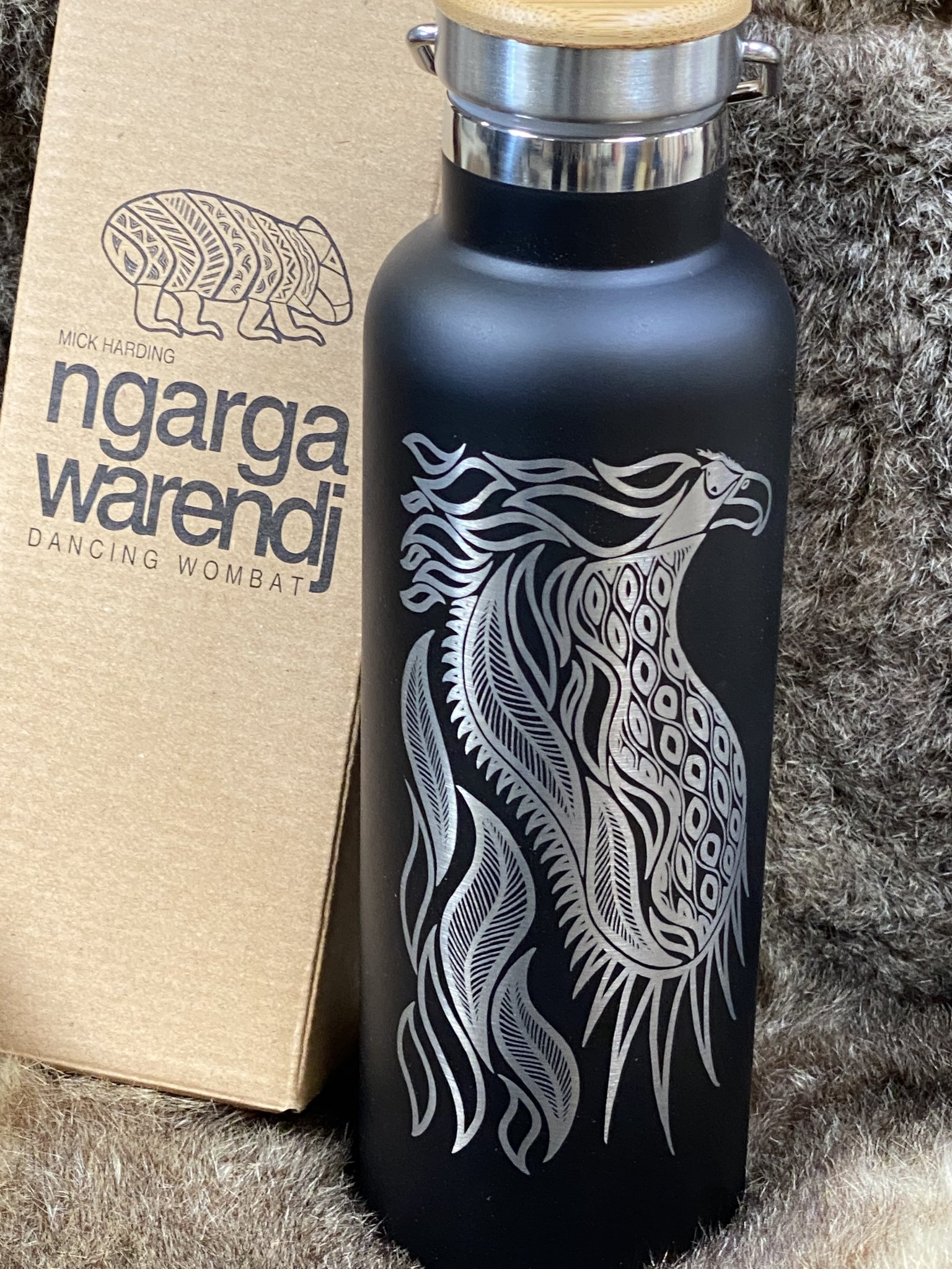 Insulated stainless steel bottle by ngarga warendj