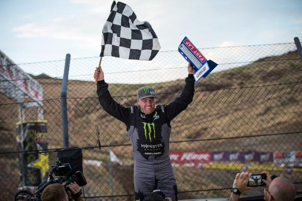 Kyle LeDuc and Toyo Tires Win Rds. 5 & 7 at Reno_celebrate