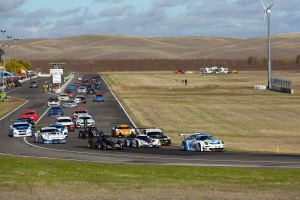 Toyo Tires/Flying Lizard Porsche® leading the start of the USAF 25 Hours of Thunderhill™